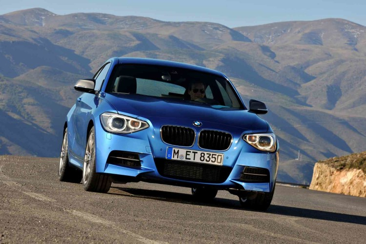 BMW M135i photos 191111 750x500