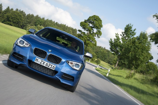 BMW M135i photos 391 655x435