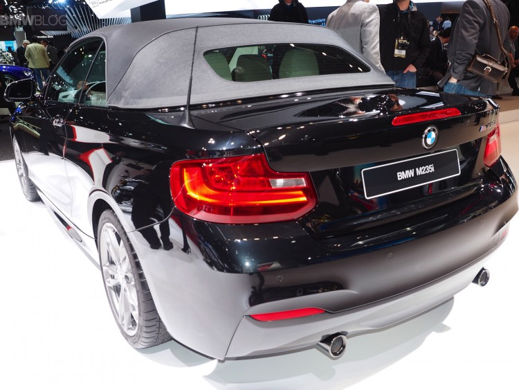 BMW M235i Convertible images 05 750x563
