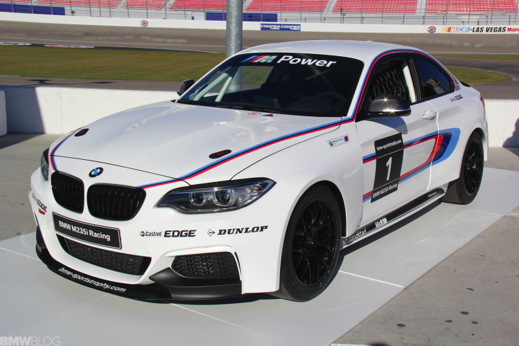 BMW-M235i-racing-car-photos-01