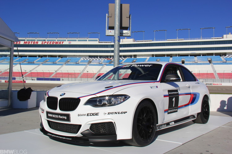 BMW M235i racing car photos 02 750x500
