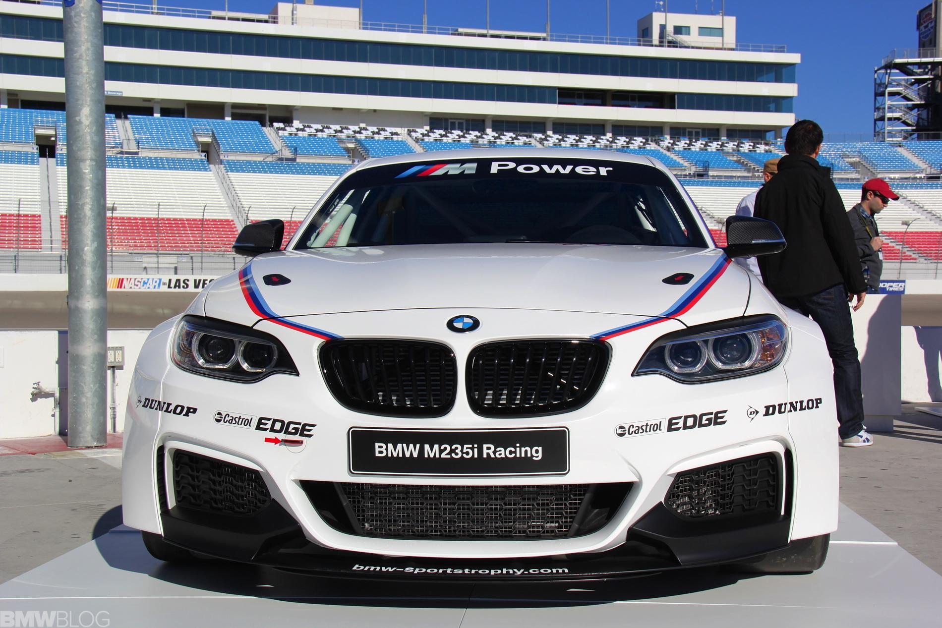 BMW M235i racing car photos 03