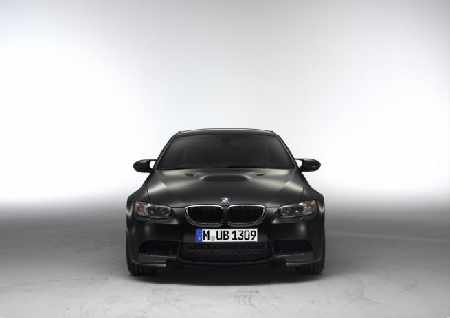 BMW M3 E92 Competition Paket Frozen Black 01 655x463