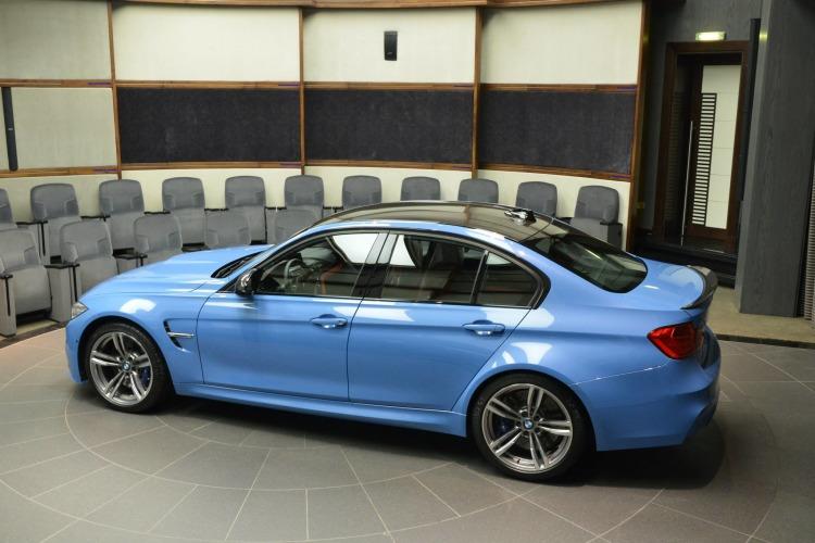 BMW M3 F80 Tuning BMW M Performance Zubehoer Yas Marina Blau 2014 06 750x500
