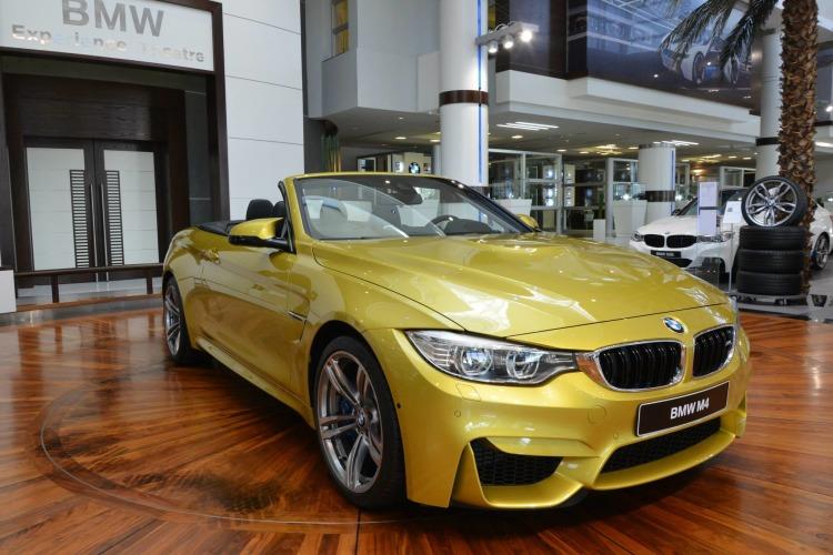 BMW M4 Cabrio Austin Yellow F83 Live Fotos Abu Dhabi 01 750x500