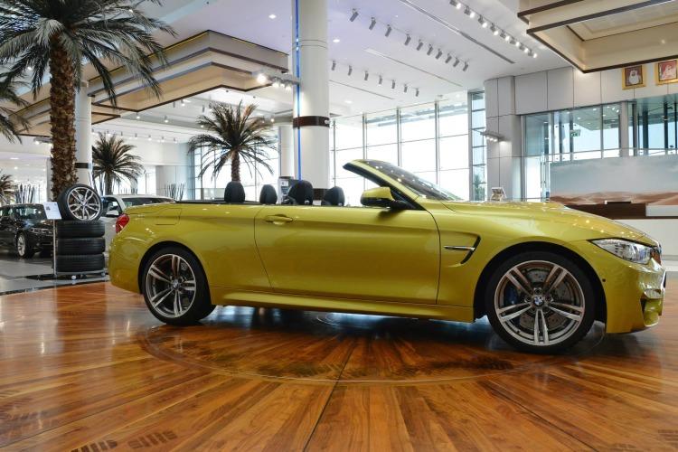 BMW M4 Cabrio Austin Yellow F83 Live Fotos Abu Dhabi 03 750x500