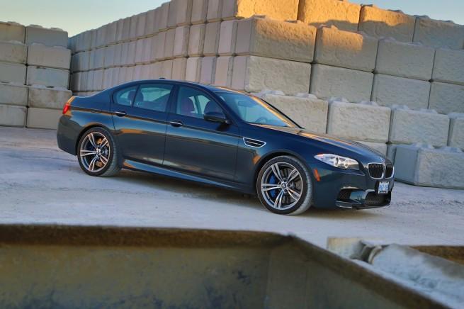 BMW M5 31 655x436