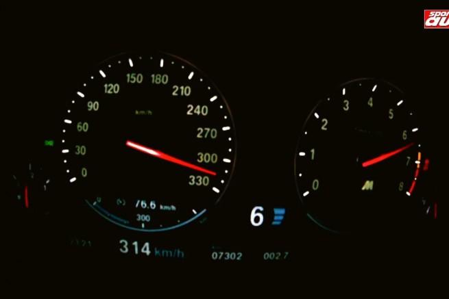 BMW M5 F10 Tachovideo 0 300 sport auto 655x437