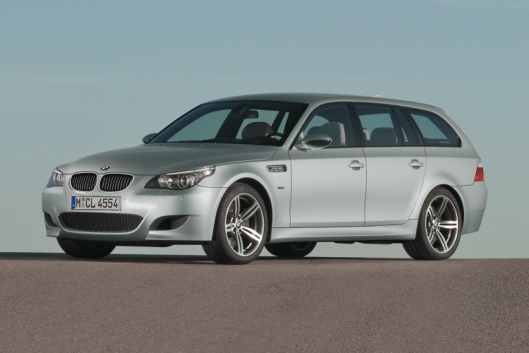 BMW M5 Touring E61 001 750x500
