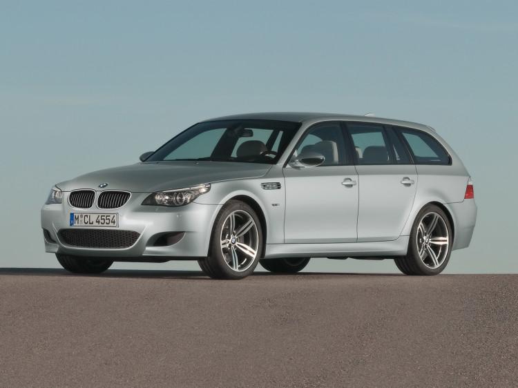 BMW M5 Touring E61 001 750x562
