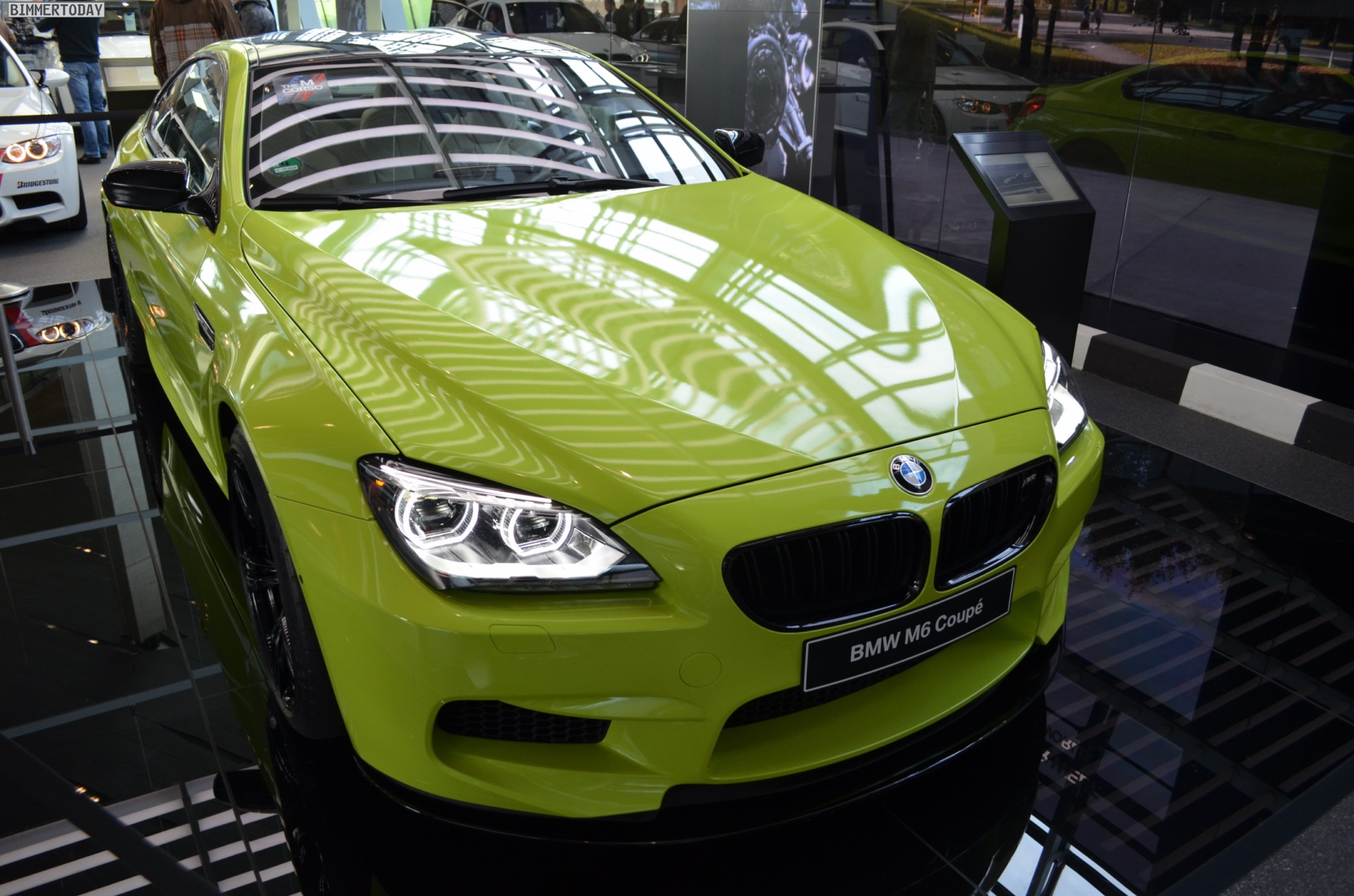 BMW M6 F13 Neon Gruen Individual Green 01