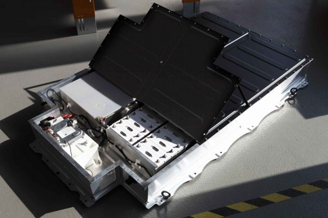 BMW Project i Megacity Vehicle Batteriepaket 655x436