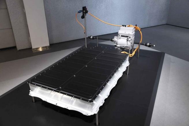 BMW-Project-i-Megacity-Vehicle-Fahrzeugunterbau-Batteriepaket