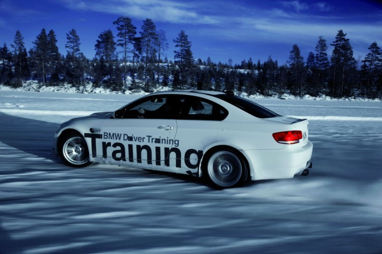 BMW Snow and Ice Fahrertraining Winter 2011 06 750x500