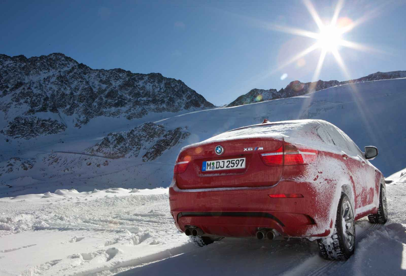 Video Bmw Xdrive In The Snow