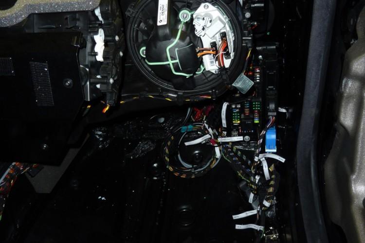 BMW Vision EfficientDynamics Full Runner DontBlogAboutThis 03 750x500