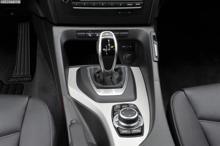 BMW X1 E84 xDrive28i 2011 Interieur Achtgang Automatik 03 750x499