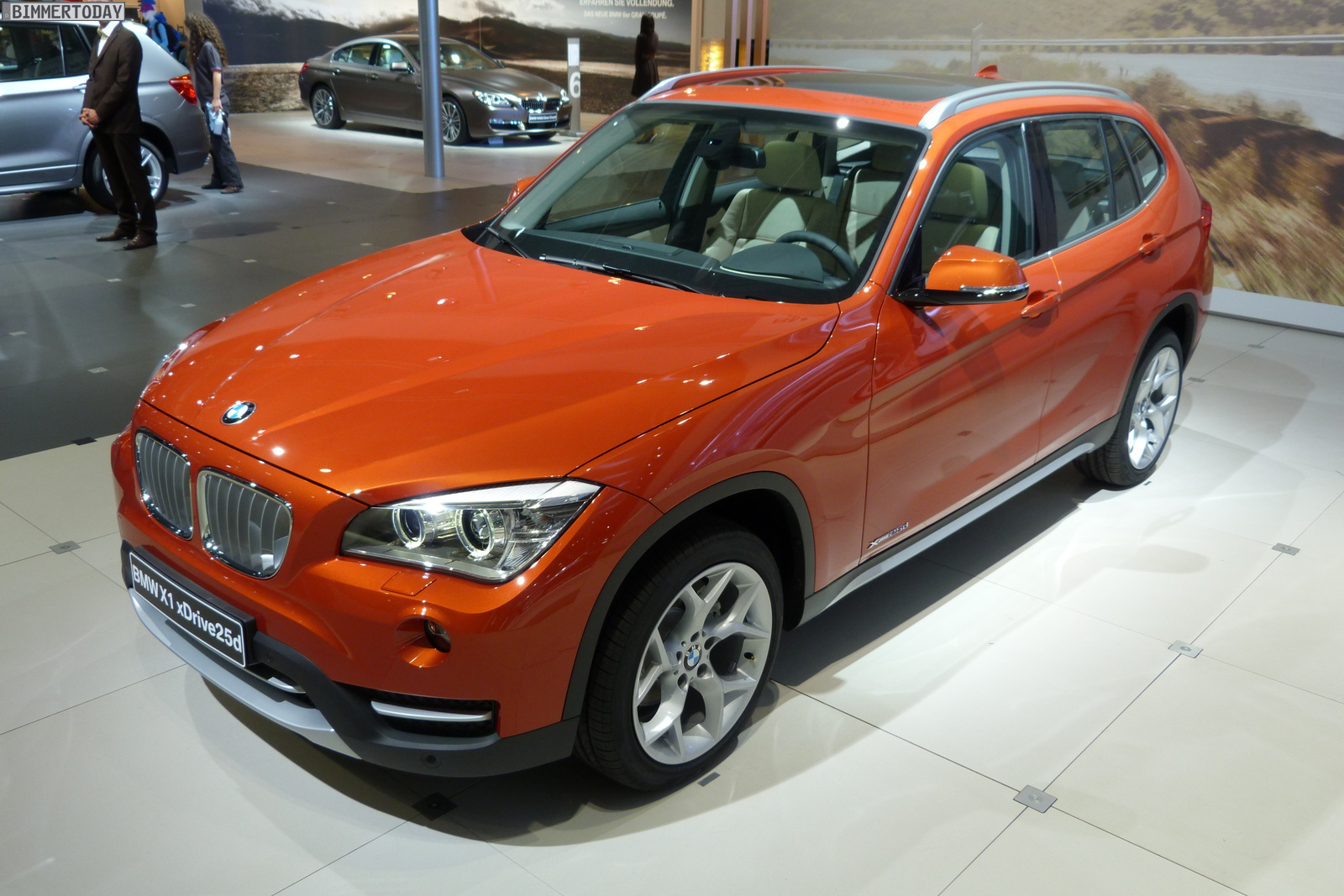 2012 Leipzig Auto Show Bmw X1 Facelift In Valencia Orange