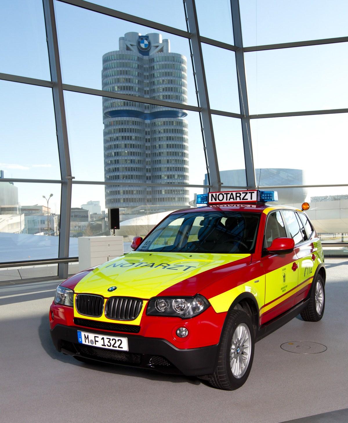 BMW X3 E83 Notarzt Muenchen 03
