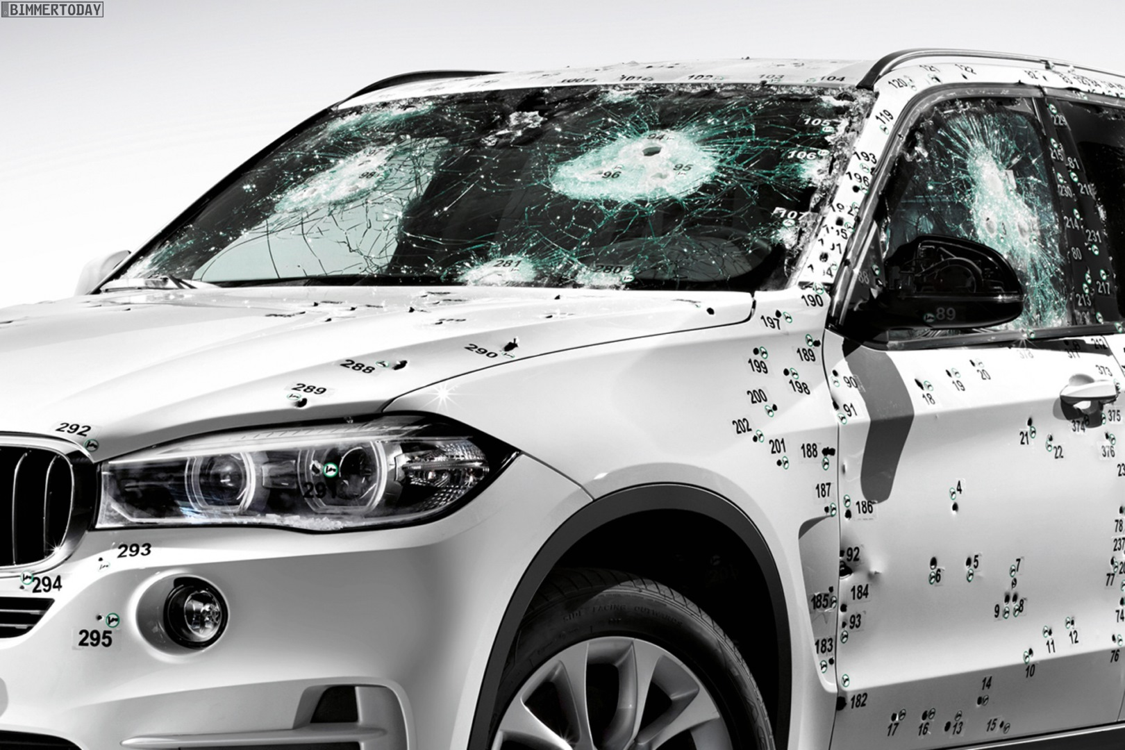 BMW X5 High Security F15 gepanzert Moskau 2014 Panzer SUV 11