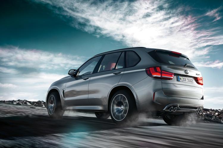 BMW-X5-M-wallpaper-1
