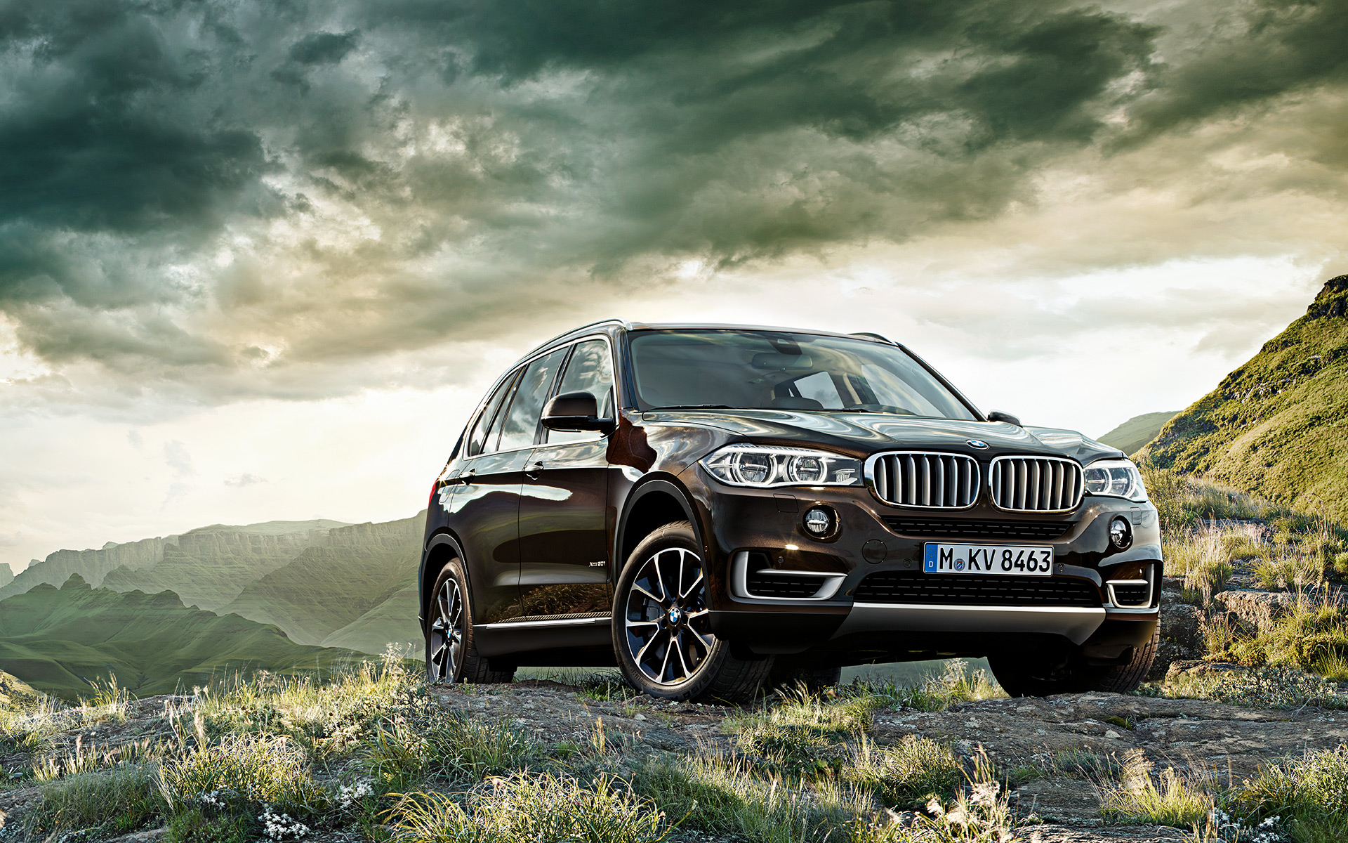 Wallpapers: New BMW X5