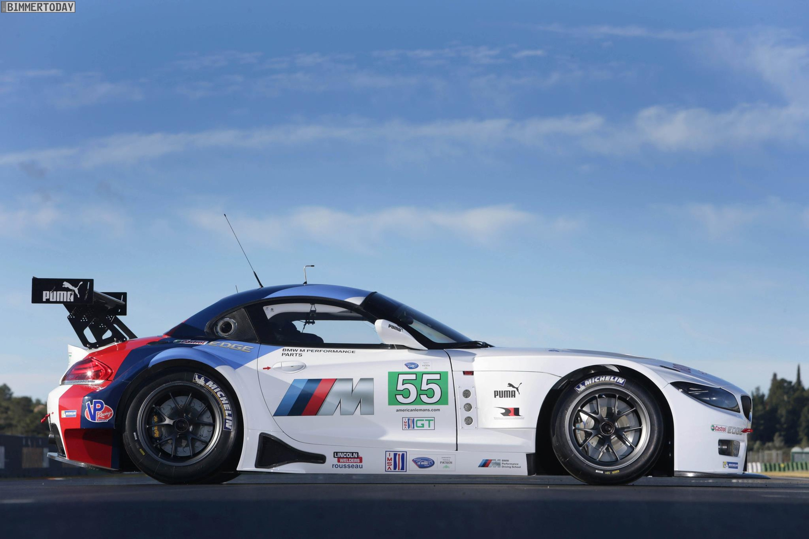 Debut For The Bmw Z4 Gte And The Newly Structured Bmw Team Rll