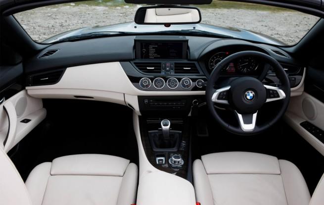BMW-Z4-Roadster-E89-Tiefseeblau-Metallic-UK-14