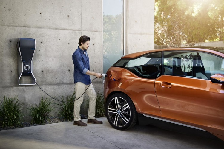 BMW i3 Concept Coupe charging 750x500