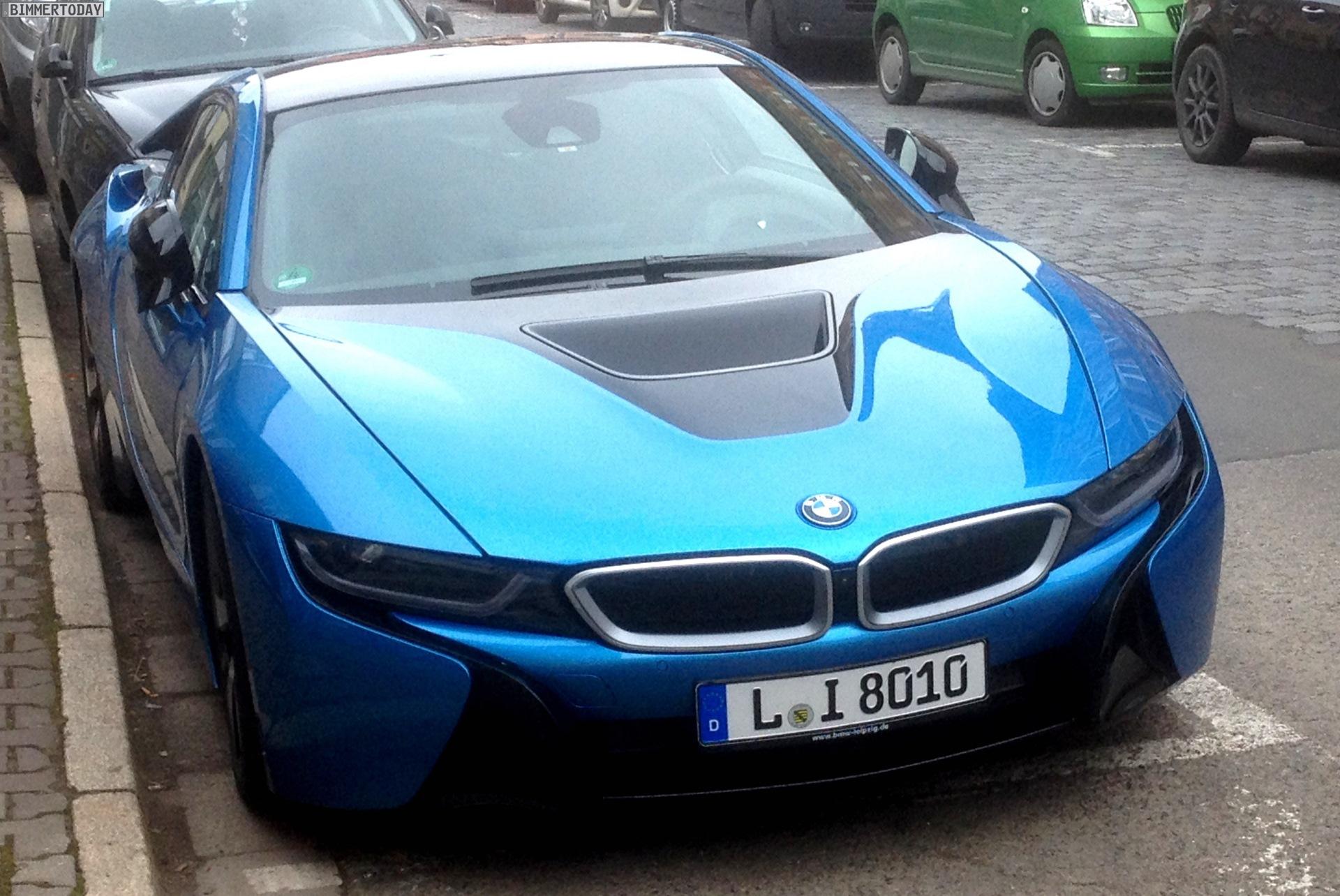 BMW i8 Protonic Blue Live Fotos Blau Prototyp 01