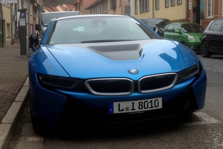 BMW i8 Protonic Blue Live Fotos Blau Prototyp 03 750x500