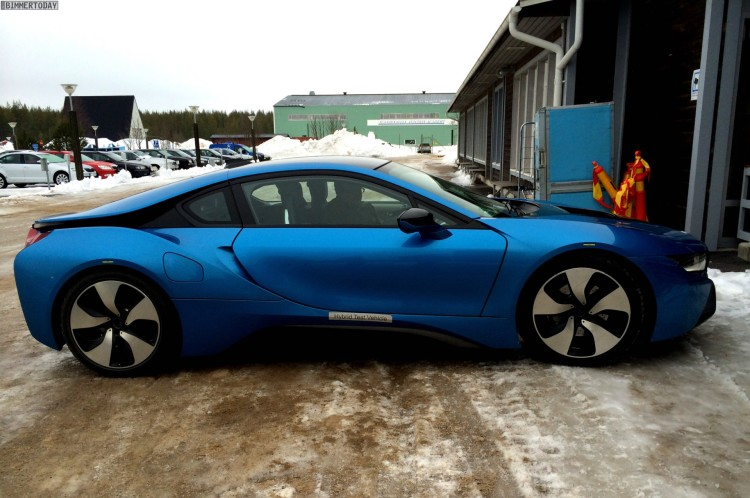 BMW i8 Protonic Blue blau Plug in Hybrid Sportwagen 03 750x498