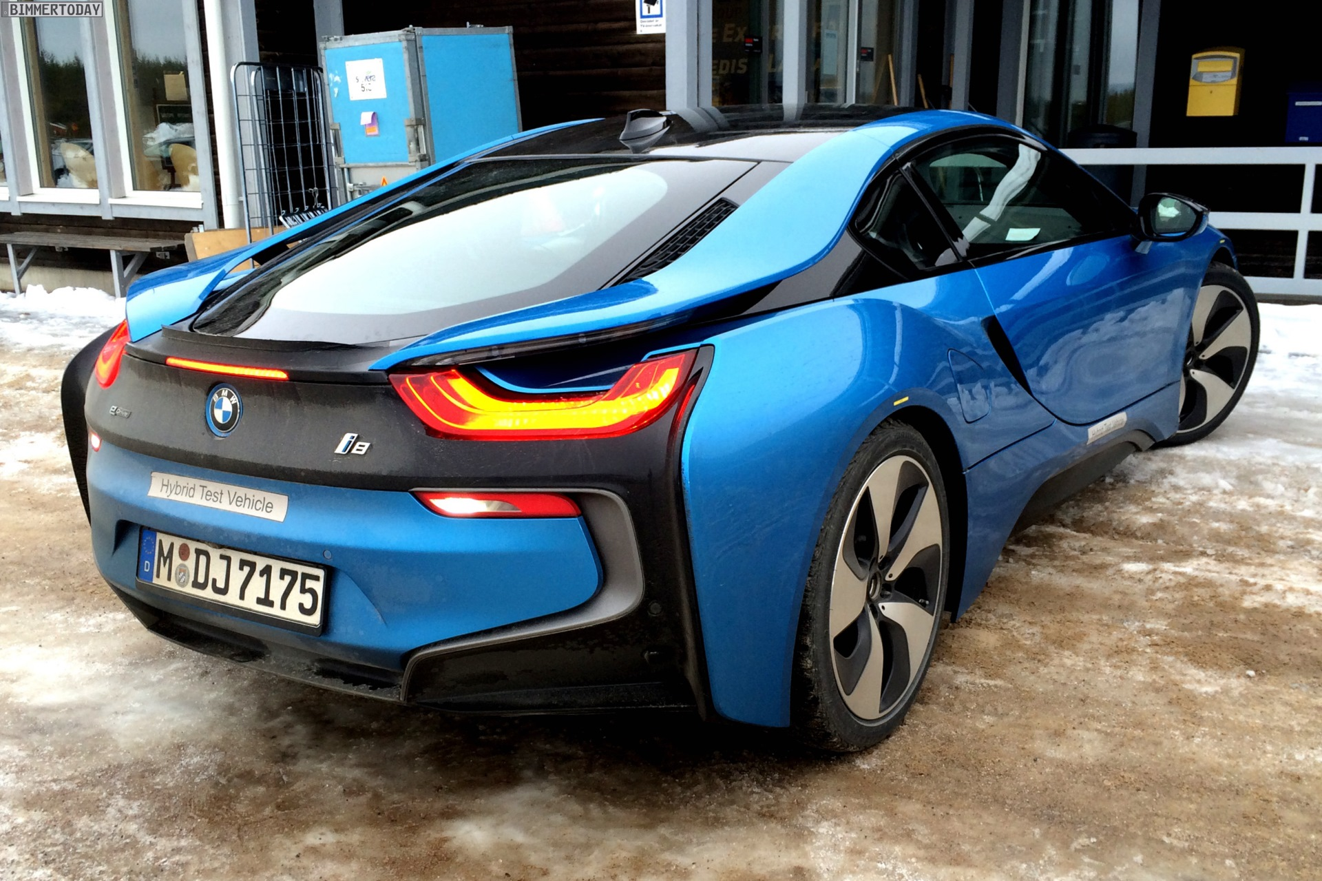 Bmw I8 In Protonic Blue Looks Great