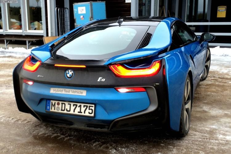 BMW-i8-Protonic-Blue-blau-Plug-in-Hybrid-Sportwagen-06