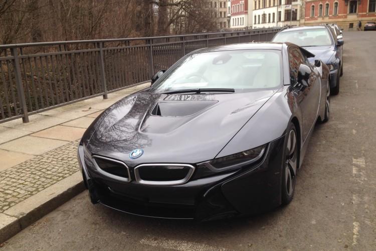BMW i8 Sophistograu Sophisto Grey Frozen ungetarnt Leipzig 02 750x500