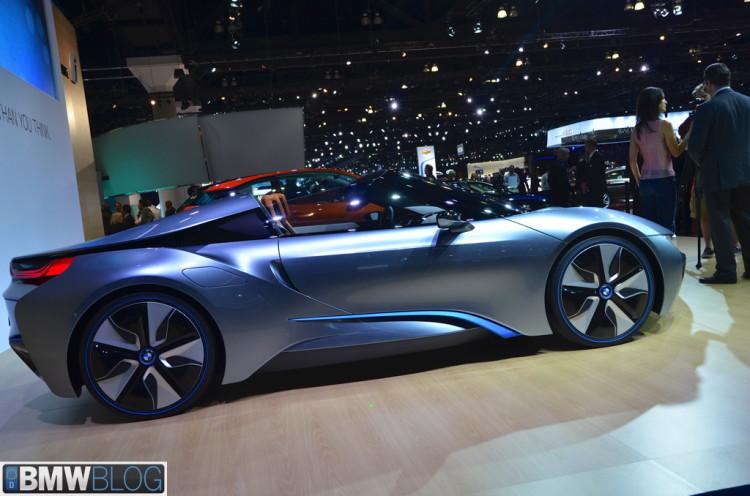 BMW i8 roadster 08 750x496