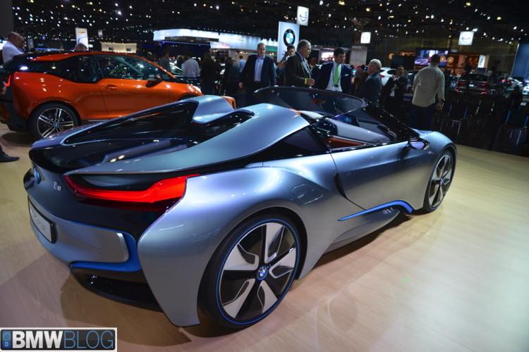 BMW i8 roadster 171 750x500