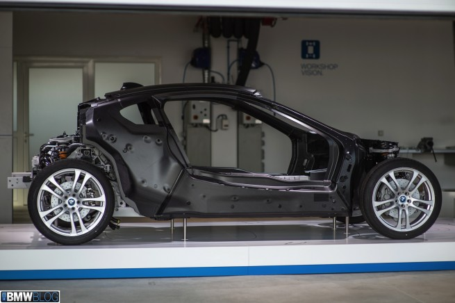 BMW-i8-workshop-02