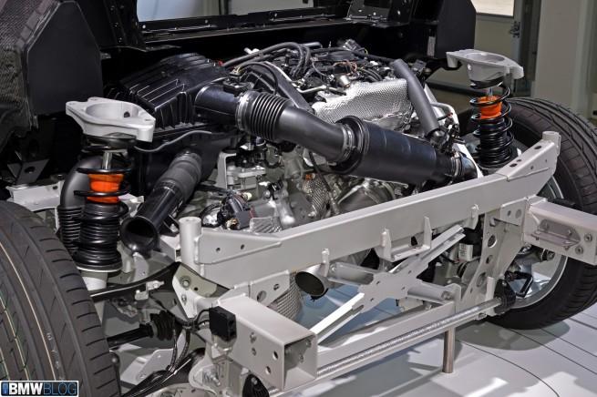 BMW-i8-workshop-11