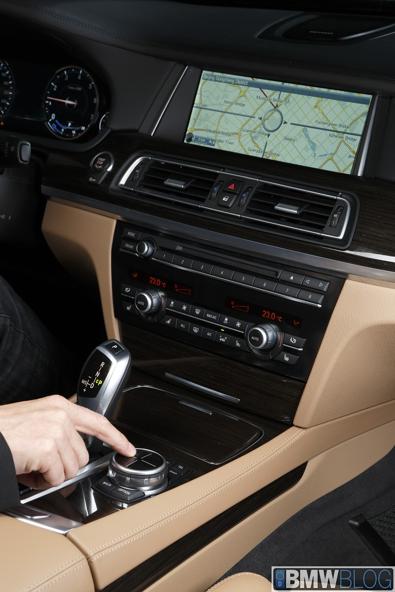BMW iDrive Touch Controller 02