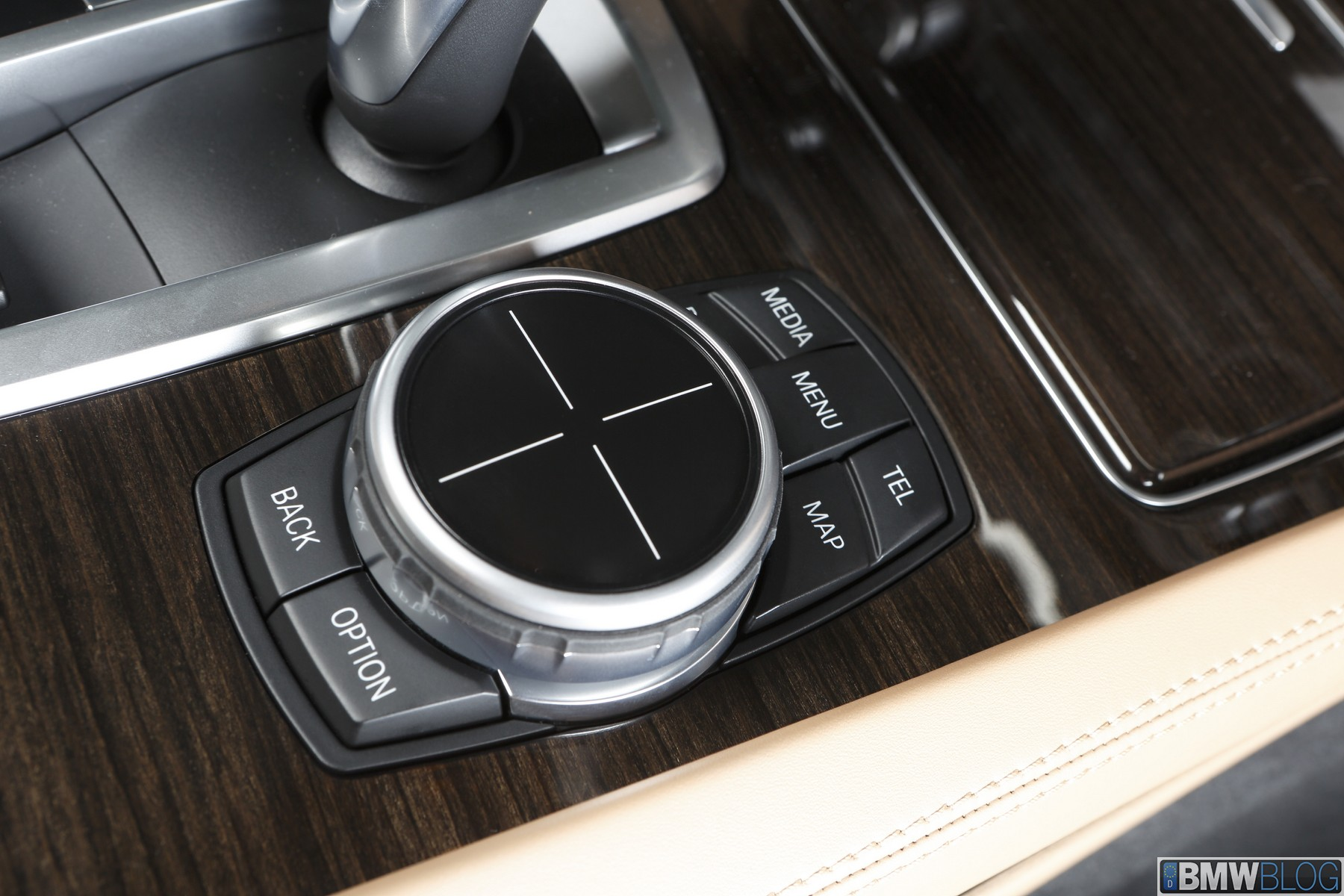 BMW iDrive Touch Controller image