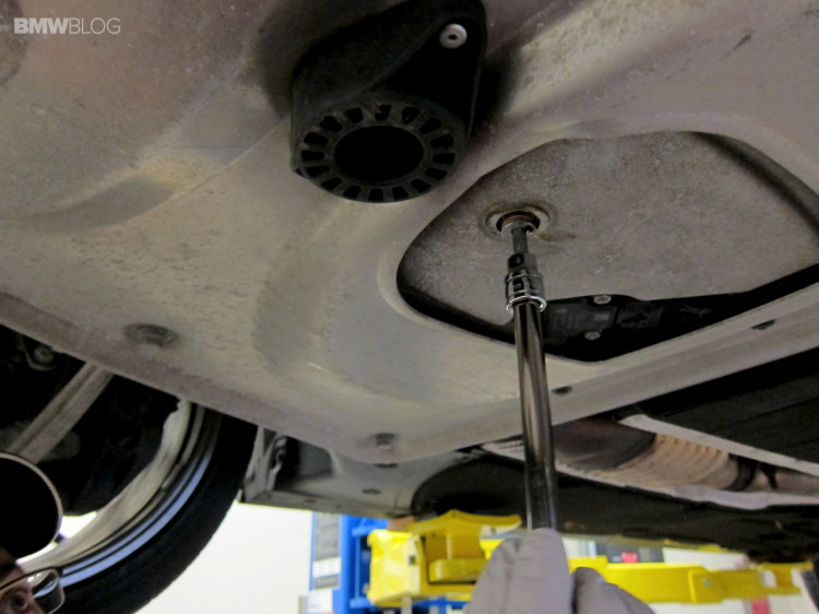 BMW-oil-change-castrol-18