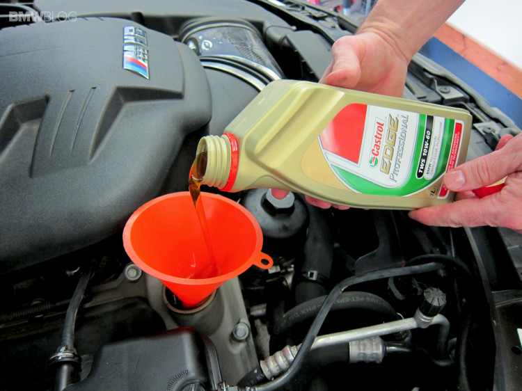 BMW-oil-change-castrol-25