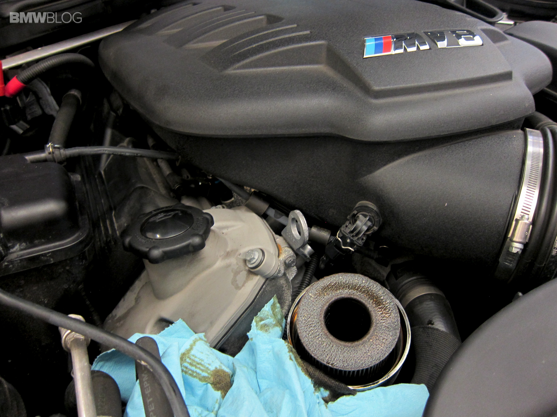 ... BMW-oil-change-castrol-43 ...