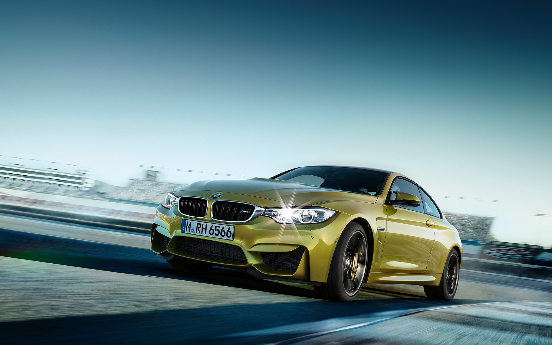 BMW M4 Coupe 01 1920x1200