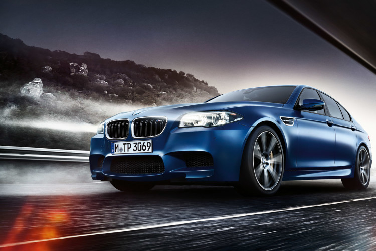 BMW M5 Sedan Wallpaper 1920x1200 01 750x500