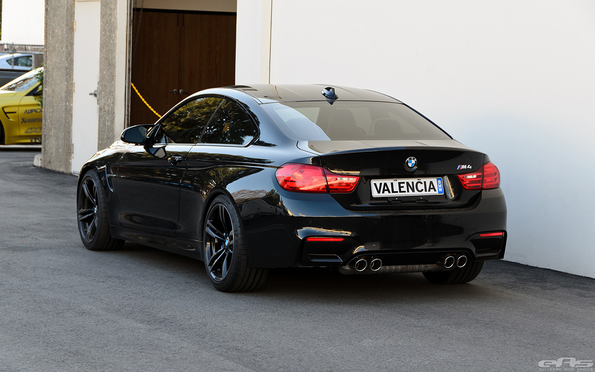 black sapphire bmw m4 gets a tune and a drop. Black Bedroom Furniture Sets. Home Design Ideas
