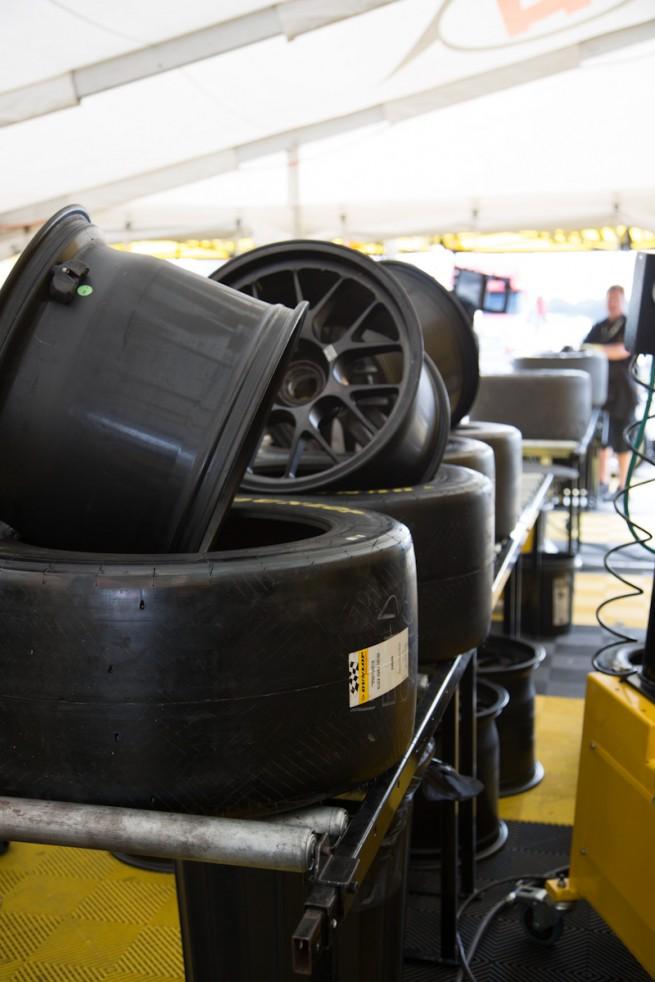 Dunlop Motorsport - Michael Blaskivich - BMWBLOG-18