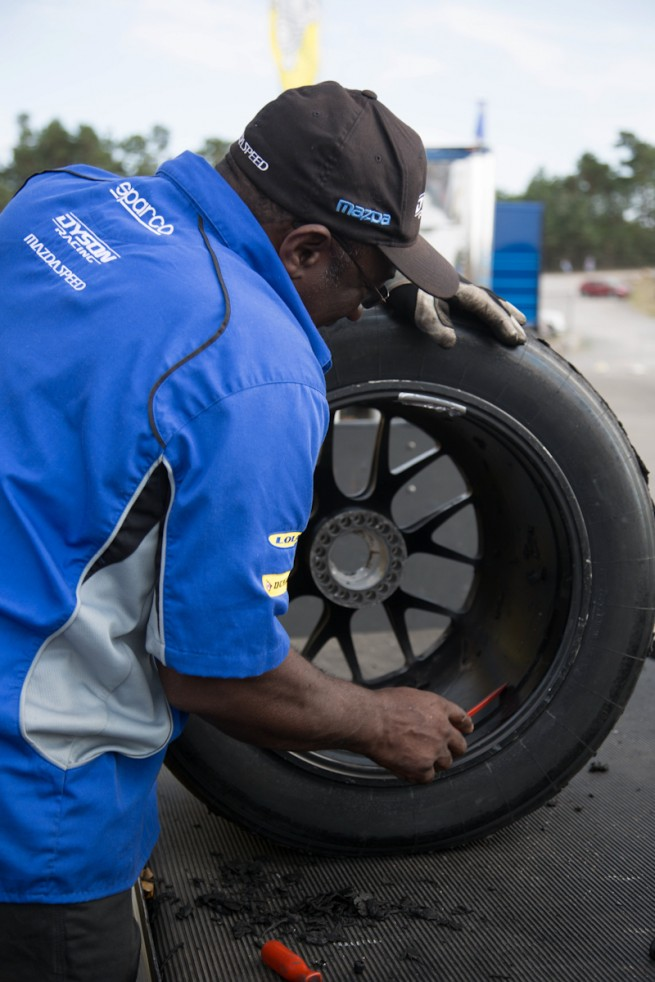Dunlop Motorsport - Michael Blaskivich - BMWBLOG-5