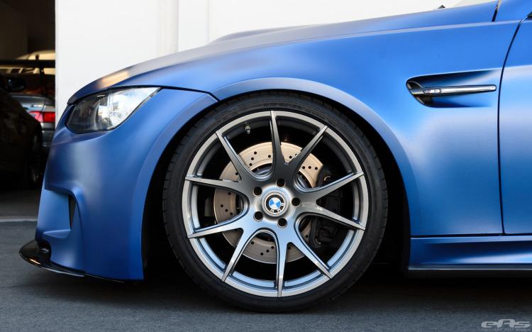 Frozen Blue BMW E92 M3 Image 2 750x468